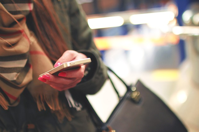 iphone-926235_640