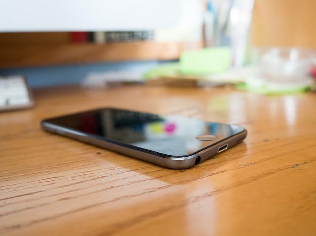 iphone-926585_640