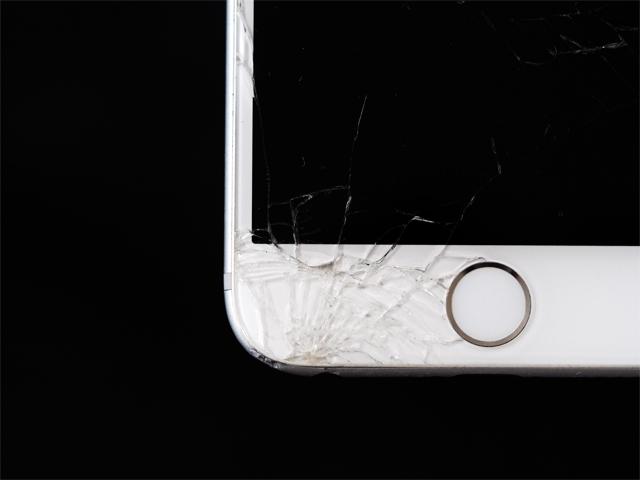 分解したことがあるiPhoneを正規修理に出したらバレる?